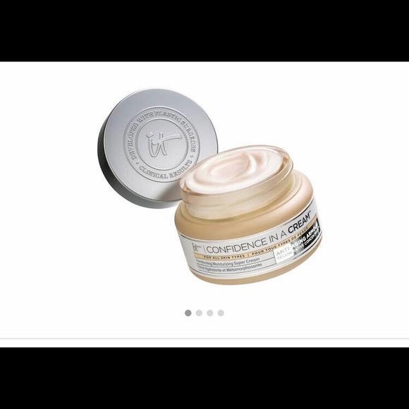 it cosmetics Other - Moisturizer/Cream